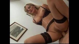 Az érett maca szexre szomjazik